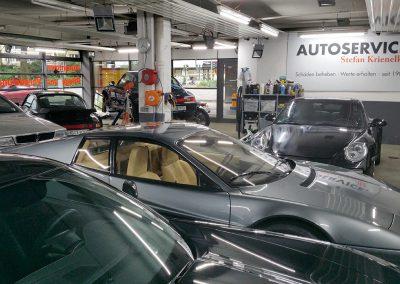 AUTOSERVICE. Krienelke